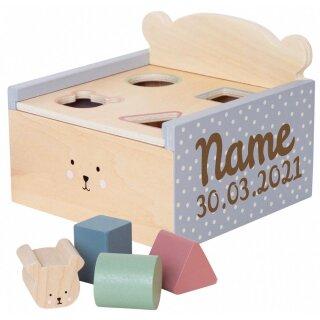 Sortierbox Teddy aus Holz mit Namen und Geburtsdatum graviert